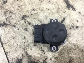 Запчасть кнопка регулировки сидений правая Volkswagen passat 2012