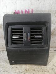 Вентиляционная решетка средняя задняя BMW 1-Series