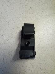 Запчасть кнопка стеклоподъемника задняя правая Mazda 3 2013