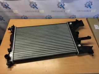 Запчасть радиатор охлаждения Chevrolet/Opel Cruze 2009