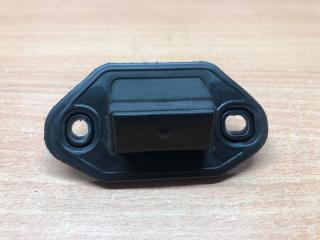 Запчасть кнопка открывания багажника Lexus IS220d (2) 2005