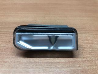 Фонарь подсветки номерного знака задний правый Lexus IS220d (2) 2005 Седан 8127053021 контрактная