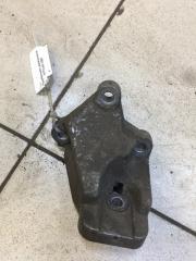 Запчасть кронштейн двигателя правый Volvo S60