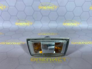 Запчасть поворотник в крыле передний Opel Astra