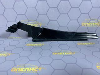 Запчасть накладка крыла передняя правая Opel Astra
