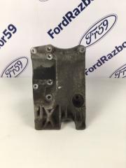 Запчасть кронштейн компрессора кондиционера Ford Focus 2 2010
