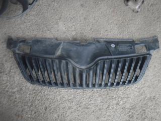 Запчасть решетка радиатора Skoda Fabia 2010