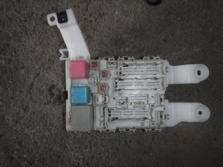 Запчасть блок предохранителей Toyota Auris 2008