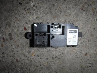 Запчасть резистор отопителя Ford Focus 2012