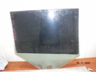 Запчасть стекло двери заднее левое Skoda Fabia 2011