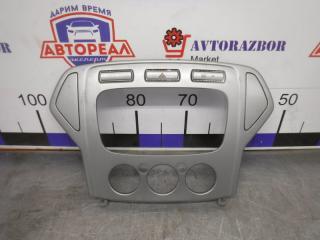Запчасть рамка магнитоллы Ford Mondeo 2008
