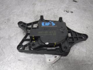 Запчасть мотор заслонки отопителя Kia Rio 2015