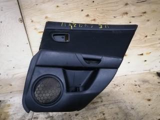Запчасть обшивка двери задняя правая Mazda Mazda 3 2005