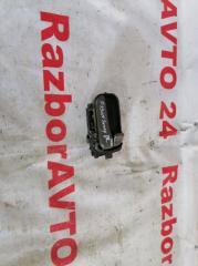 Запчасть ручка внутренняя передняя правая Nissan Sunny 2000
