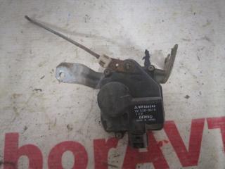Запчасть замок двери задний правый Mitsubishi Lancer Cedia 2001