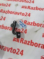 Запчасть рычаг открывания капота Лада Приора 2012