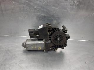 Запчасть моторчик стеклоподъемника AUDI A4 [B5] 1994-2001 1995