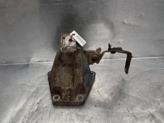 Запчасть кронштейн двигателя правый AUDI A4 [B5] 1994-2001