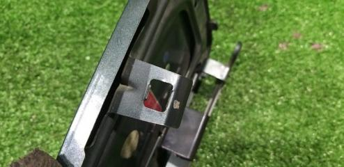 Лючок бензобака задний NISSAN Elgrand AVWE50 QD32ETI