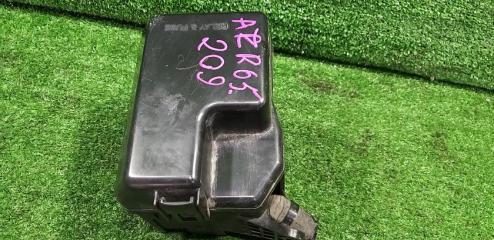 Блок предохранителей TOYOTA Voxy 2004