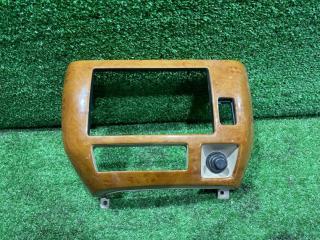 Консоль магнитофона передний NISSAN Presage 2003