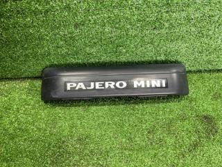 Запчасть накладка 5-й двери задняя MITSUBISHI Pajero Mini