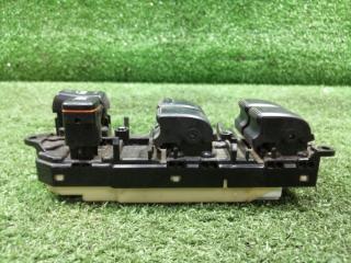 Пульт стеклоподъемника передний правый IST 2002 NCP65 1NZFE