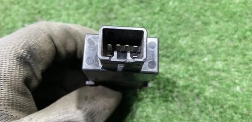 Кнопка передняя