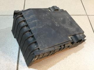 Запчасть крышка блока предохранителей Skoda Octavia 2004-2013