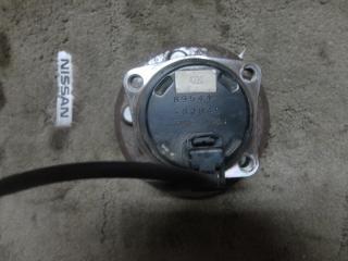 Запчасть ступица задняя Toyota Opa 2000-2005