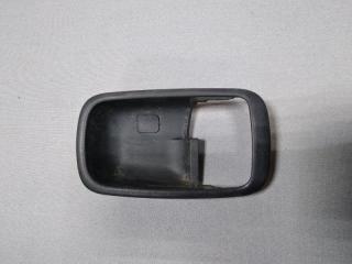 Запчасть накладка ручки внутренней правая Mitsubishi Lancer 9 2003-2008