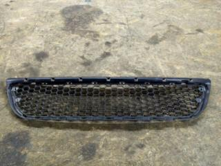 Запчасть решетка в бампер Renault Logan