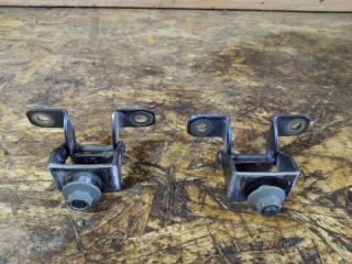 Запчасть петли крышки багажника задние Nissan Note 2012