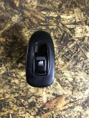 Запчасть кнопка стеклоподьемника передняя правая Kia Spectra 2008
