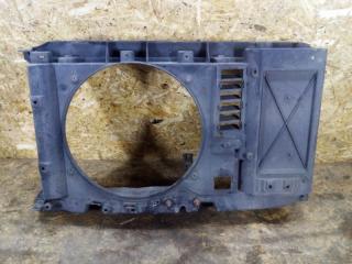 Рамка радиатора Peugeot 308
