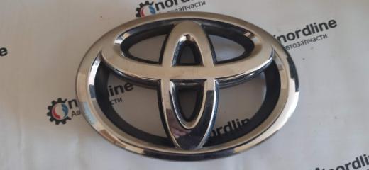 Запчасть эмблема передняя Toyota Camry