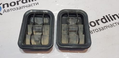 Запчасть решетка вентиляционная задняя Volkswagen Golf 4 2003
