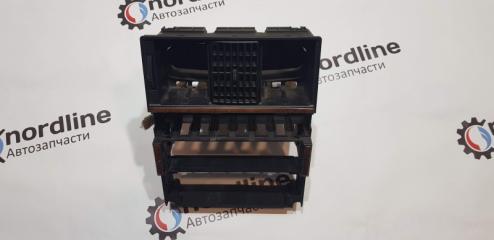 Запчасть рамка магнитолы Audi 80 B4 1991