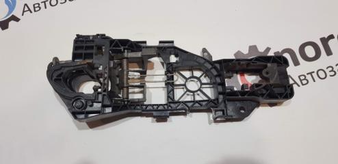 Кронштейн ручки двери Volkswagen Passat B6 УНИВЕРСАЛ 1.9 BXE 2008 задн. прав. (б/у)