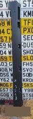 Запчасть накладка на порог правая Volkswagen Passat