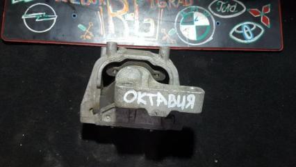 Запчасть опора двигателя Skoda Octavia